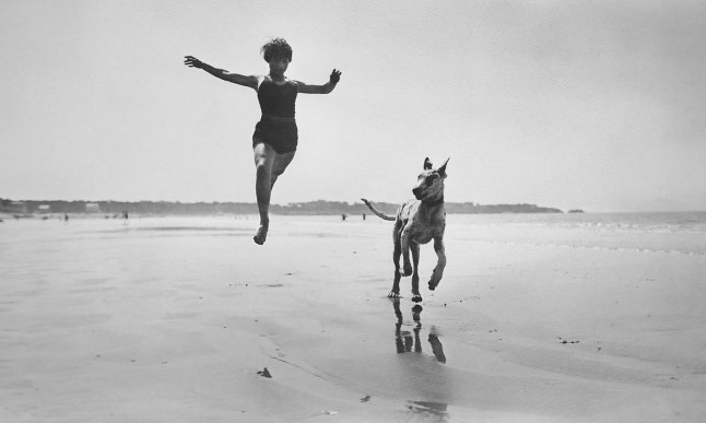 Jacques+Henri+Lartigue++Jeanine+Lhemann,+Royan,+September+1966+mine+crop