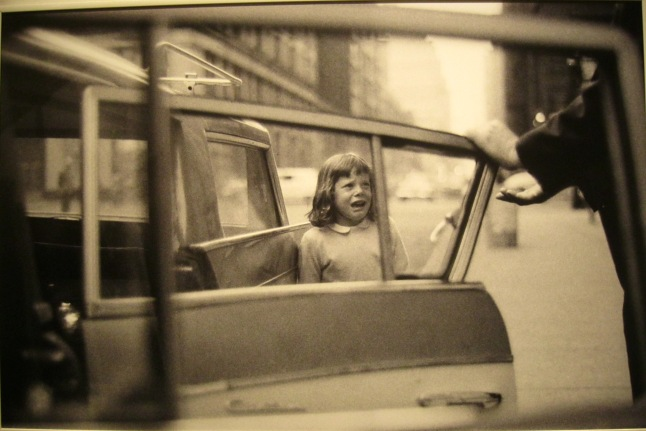 joel-meyerowitz-crying-girl